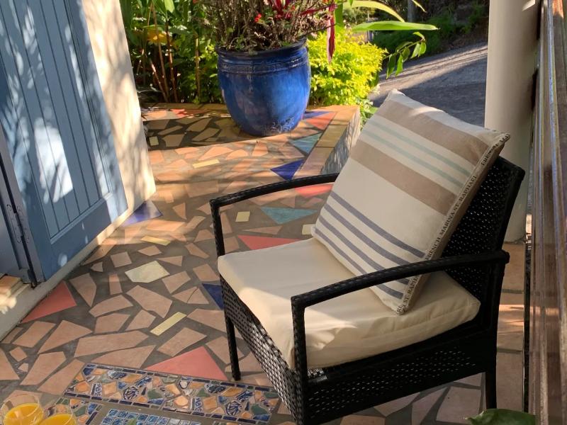 Petite terrasse privée.